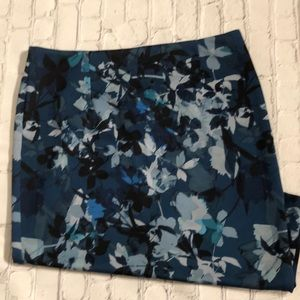 Floral pencil Spense skirt NWT size large